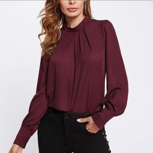 Dark red key hole bell sleeve pleated blouse